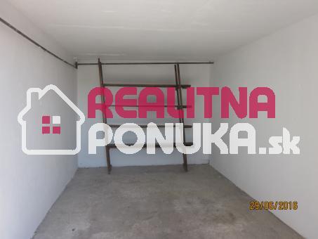 Predáme samostatnú garáž na Pionierskej ulici