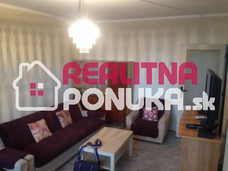 Predaj 2 izbový bytu  Ulici Plickova /  Rača  94.000 € Dohoda istá !