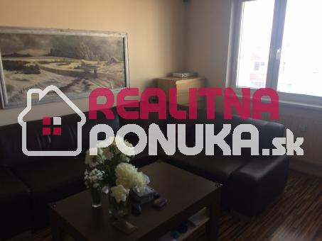 Predaj 4 izbového bytu  Ulica  Kríková /  Vrakuňa