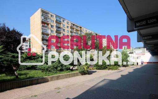 Hľadám 1 izbový byt na prenájom vo Vrakuni do 370€